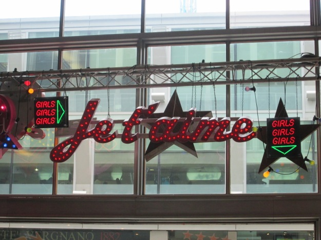 Really amazing Neon Exhibition, and i particulary liked the 'je t'aime' sign, which takes the into a mood of 'passion'.  Great Experience!